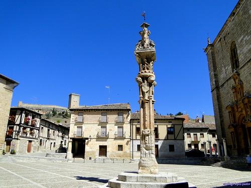 Plaza mayor de Peñaranda de Duero   by santiagolopezpastor