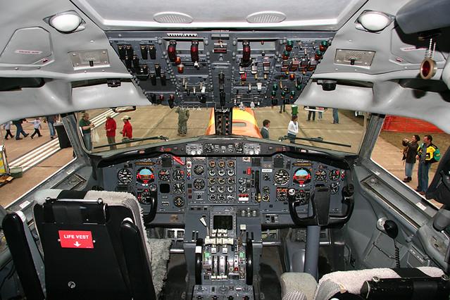 Boeing 727 Cockpit