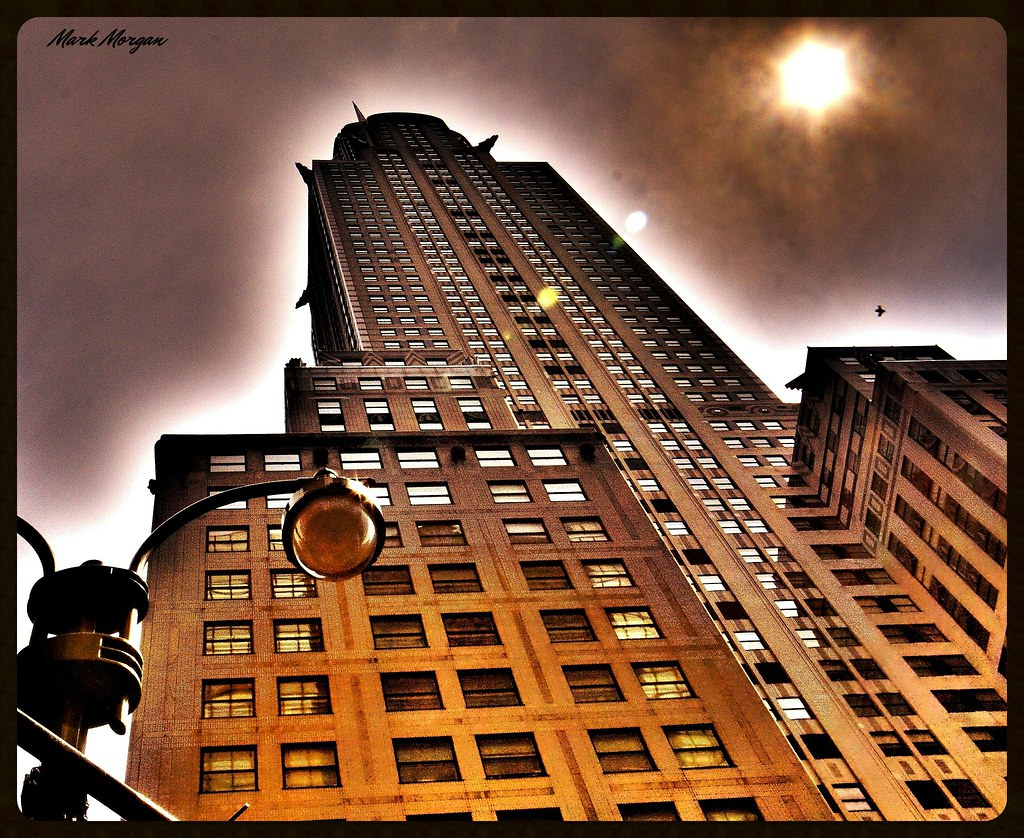 0186 Chrysler Building Gotham City   The girls found a ...