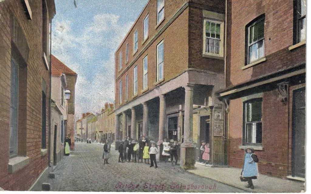 Details about  /Reproduction Lincolnshire postcard Pillar/'d House Bridge Street Gainsborough