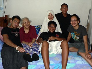 Grandma & Family | by :Salihan