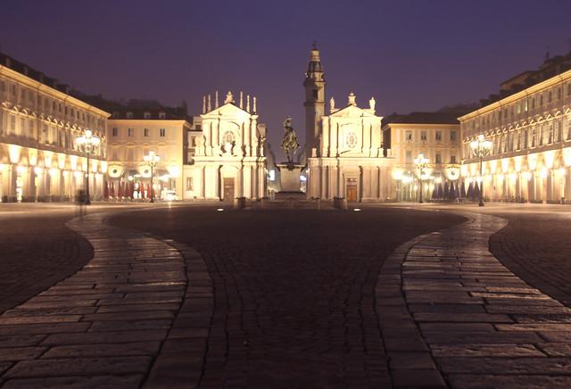 La Simmetria - Piazza San Carlo (Torino)