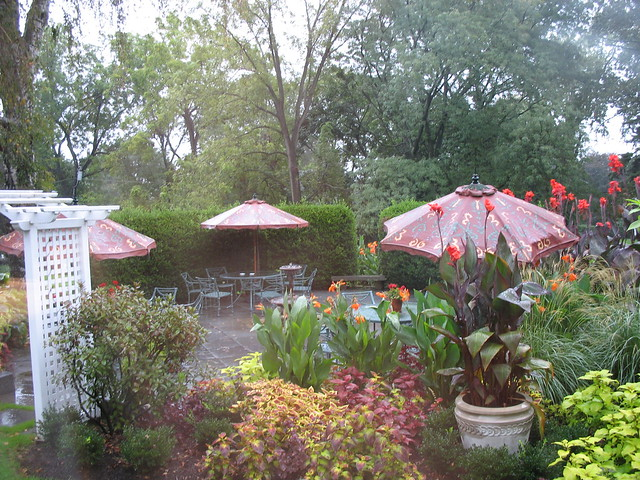The garden of the Homestead Inn
