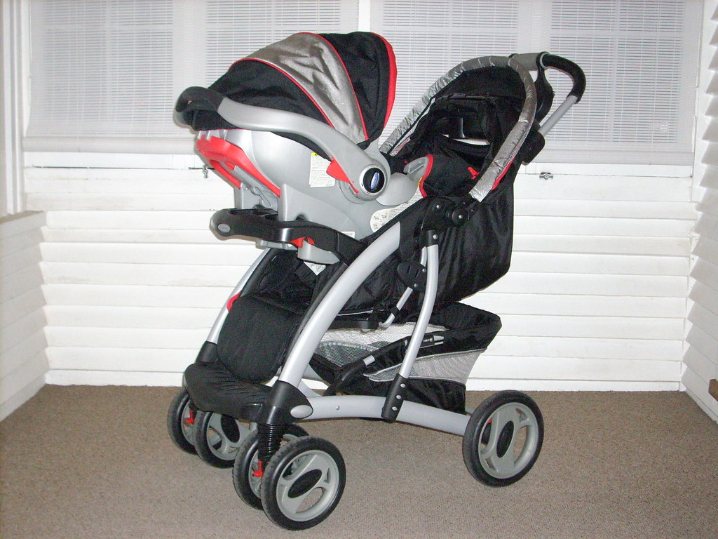 Dsci0561 Graco Quattro Tour Deluxe Stroller With The Safes Flickr