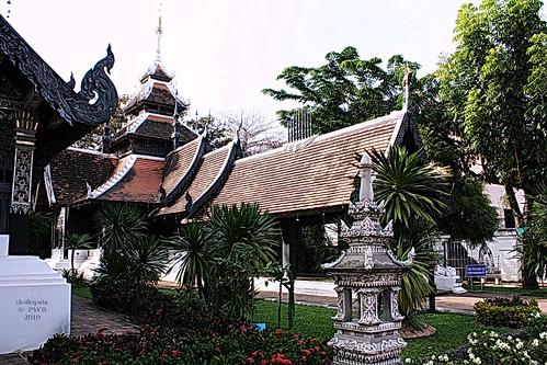 20101205_3663 Wat Chedi Luang, วัดเจดีย์หลวง | by ol'pete