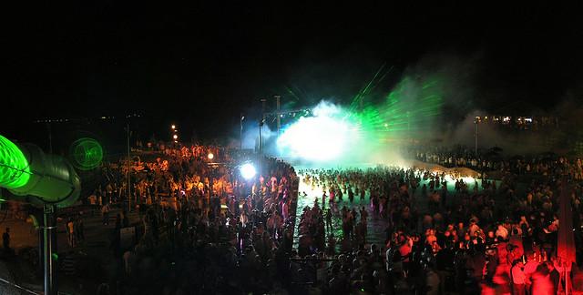 NiteRise Beachball Party 2009.06.27 panorama 01