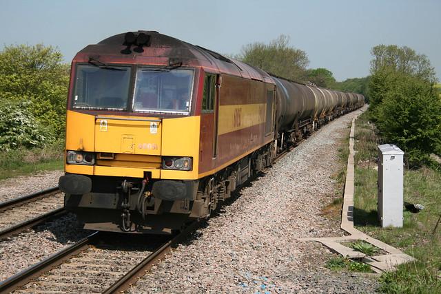 60051 on Lindsey-Kingsbury tanks Tamworth 6 May 2008