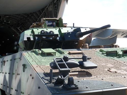 le véhicule blindé de combat ou VBCI de Heller au 1/35 - Page 2 18427728494_7348bb9cba