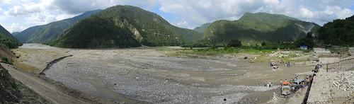inondation montagnes nepal préci panoramapanoramique rivière sunkoshiriver
