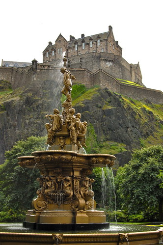 Fountain and castle | by agperson