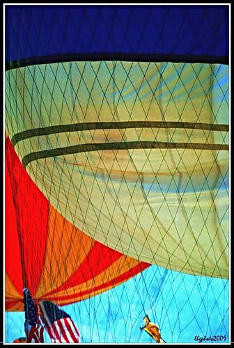 sky color balloons nikon palmsprings americanflag scanned netting 1000views rosieogrady 100comments aplusphoto colourartaward betterthangood 35mmkodachrome gordonbennettballoonracecalifornia imagepreservationproject