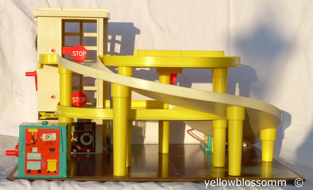 Fisher Price Parking Garage | To learn more about this vinta