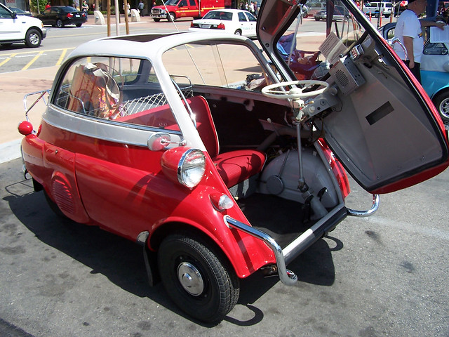 Isetta open door.jpg