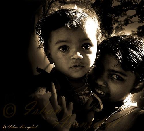 girls portrait people bw india white black love smile sepia garden child kittens siblings cry mumbai juhu sisterhood siblinglove dragondaggeraward aranjikal gardenishan