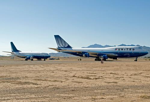 arizona phoenix airplane airport nikon aviation united boeing airlines 747 goodyear 737 unitedairlines d90 gyr kgyr phoenixgoodyearairport