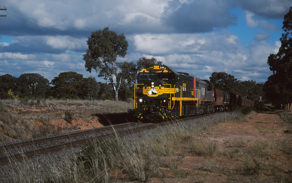 3111 - Clunes by michaelgreenhill