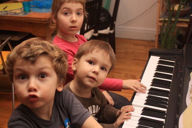 Ludo, Axel et Léa au piano III (Prise II)