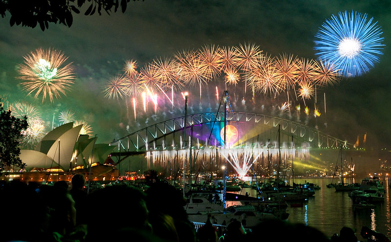 sydney habour bridge & opera house fireworks new year eve 2008