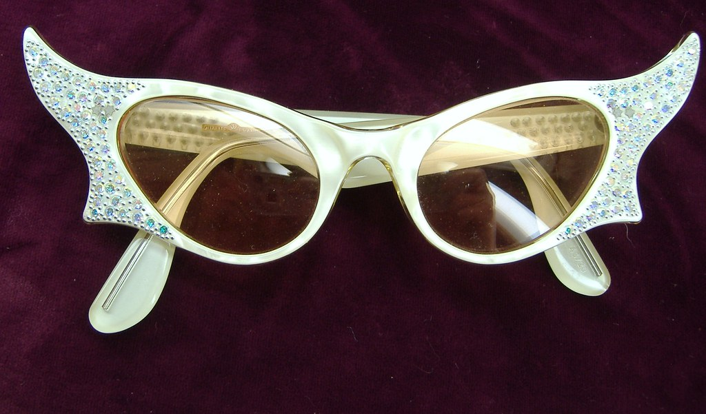 Vintage France Rhinestone winged cat eye  Sunglasses