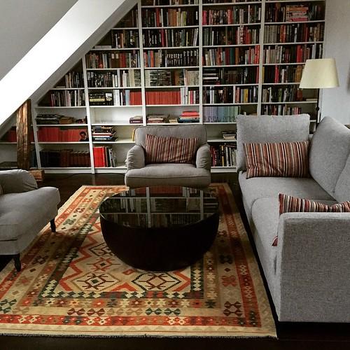 Nya mattan på plats. Fin, men den ska nog byta plats med den andra mattan. | by Granding