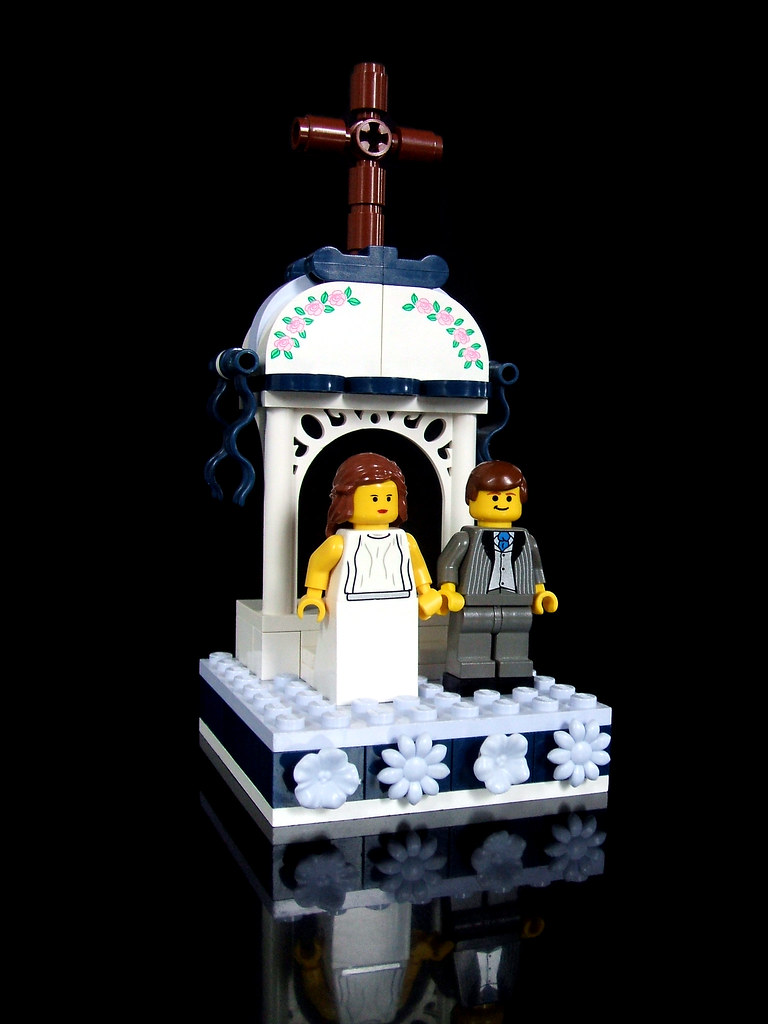 LEGO wedding cake topper (Final scene, of 5) | [See it on th