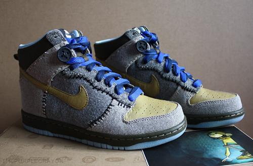 pretty nice 52f6b 15393 ... Coraline Nike Dunks   by Katrina Lui