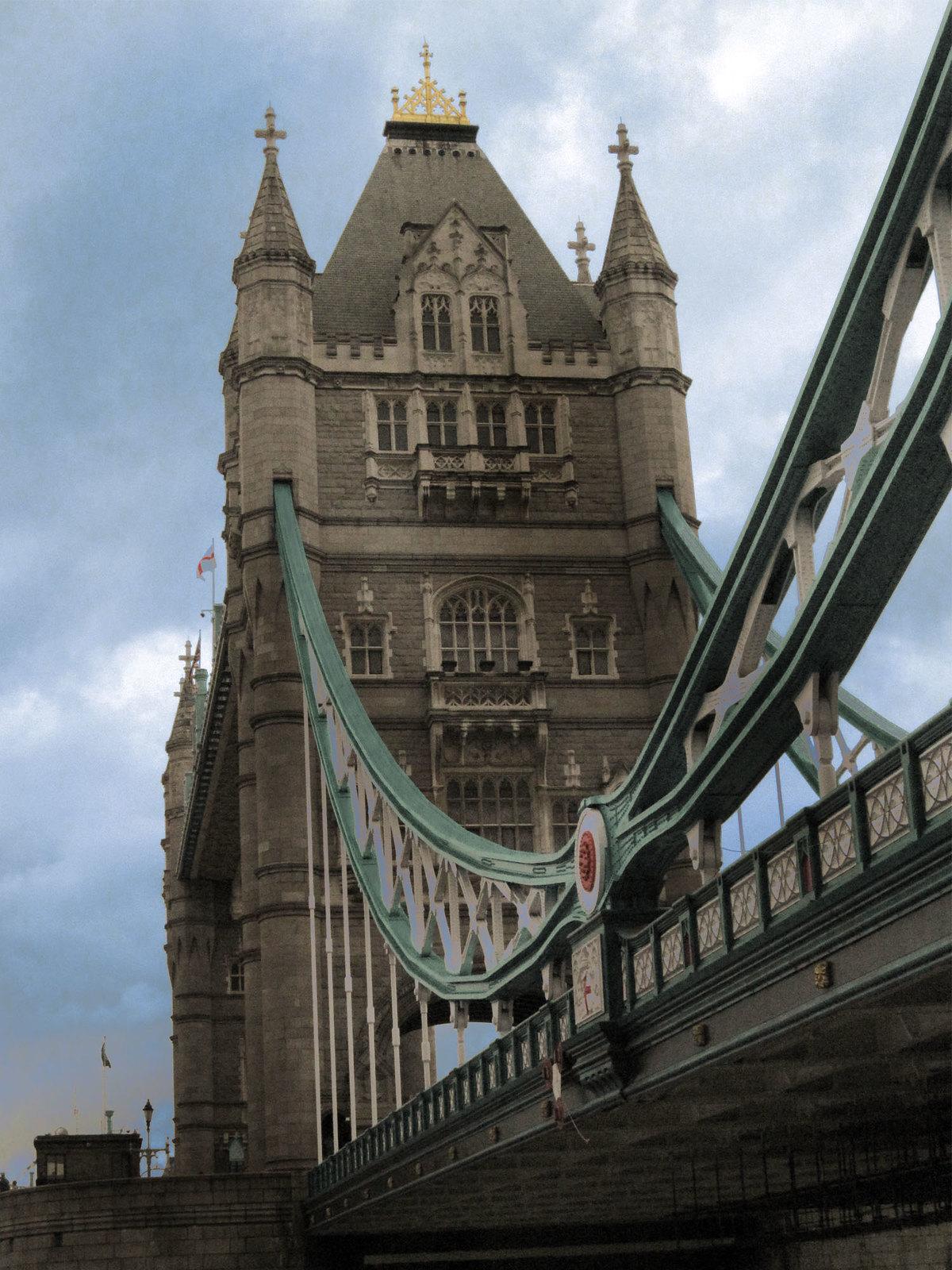 London 220