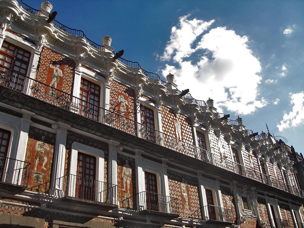 Fachada de la Casa de los Muñecos.
