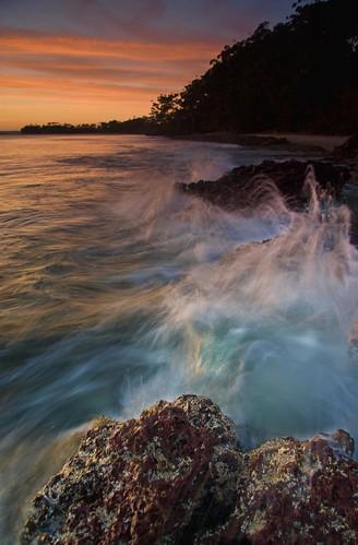 shells beach sunrise geotagged sand rocks waves australia nsw vincentia splach geo:lat=35069604 geo:lon=150683174