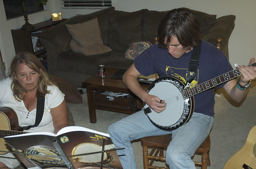 2009.144 . Banjo | by pipilo