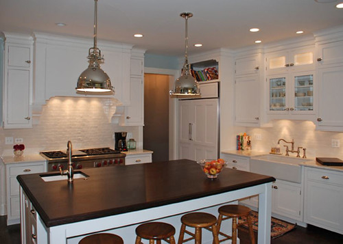 White Kitchen | The Dark Wood Countertops Beautifully Contra ...