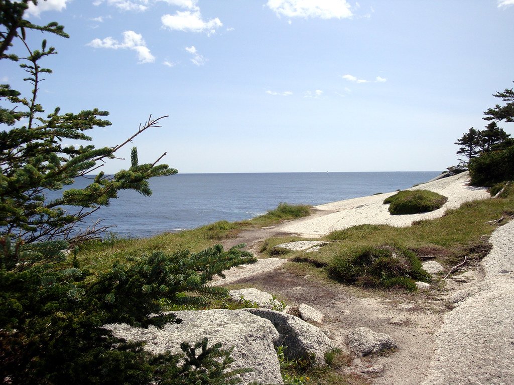 The Best Hotels Closest to Crystal Crescent Beach in