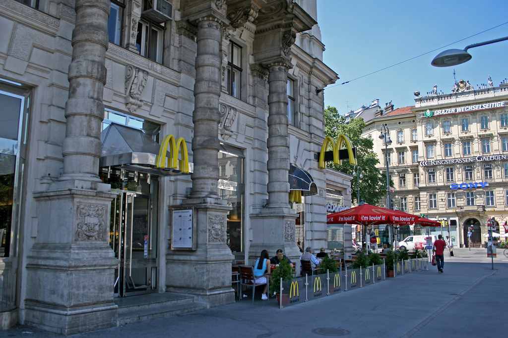 Mcdonalds Schwarzenbergplatz Wien Austria The First M Flickr