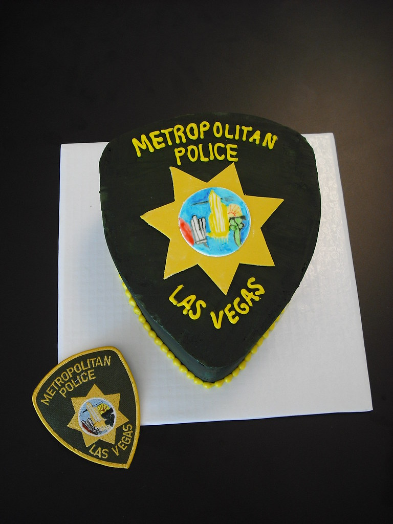 Las Vegas Metro Police Badge cake | CUSTOM CAKES REQUIRE 14