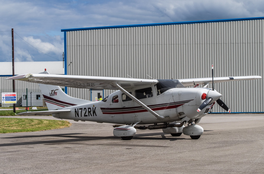 Cessna 206 Egnr Hawarden Chester Airport Wales