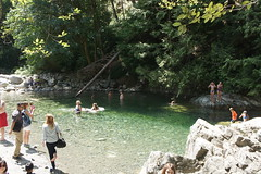 Lynn Canyon: 30 foot pool