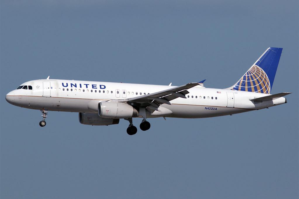 N422UA A320 United LAX 20161117