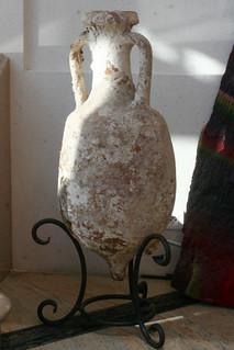 Romesk amphorae hos Guigal i Amphuis | by university of gastronomy