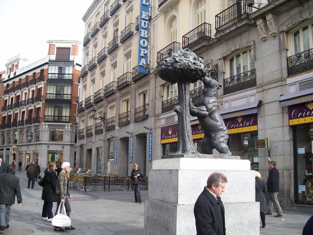 El Oso Y El Madrono Symbol Of Madrid Spain Bear And T Flickr