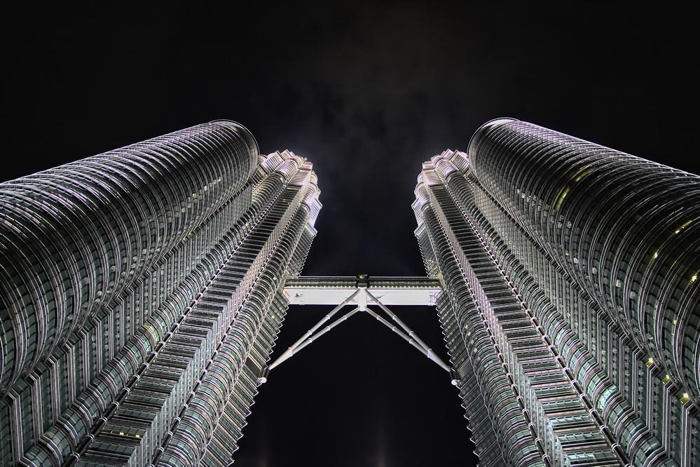 Petronas Twin Towers by Str1ke