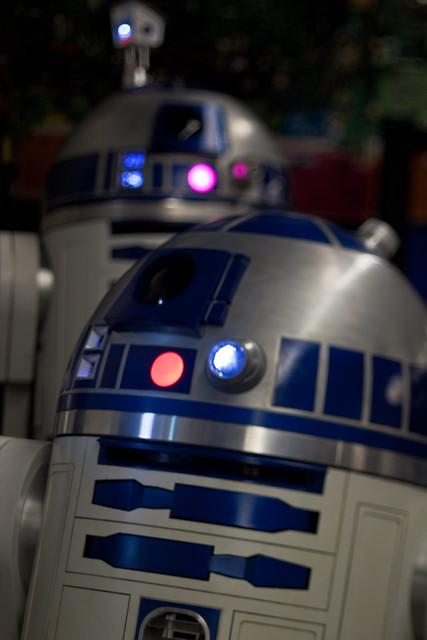 Maker Faire 2009: R2D2's!