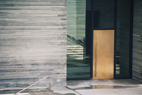 Thermen Vaals, Peter Zumthor, Golden Door | by krss.
