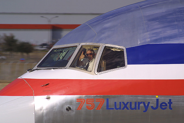 American Airlines Boeing 757-223 N693AA