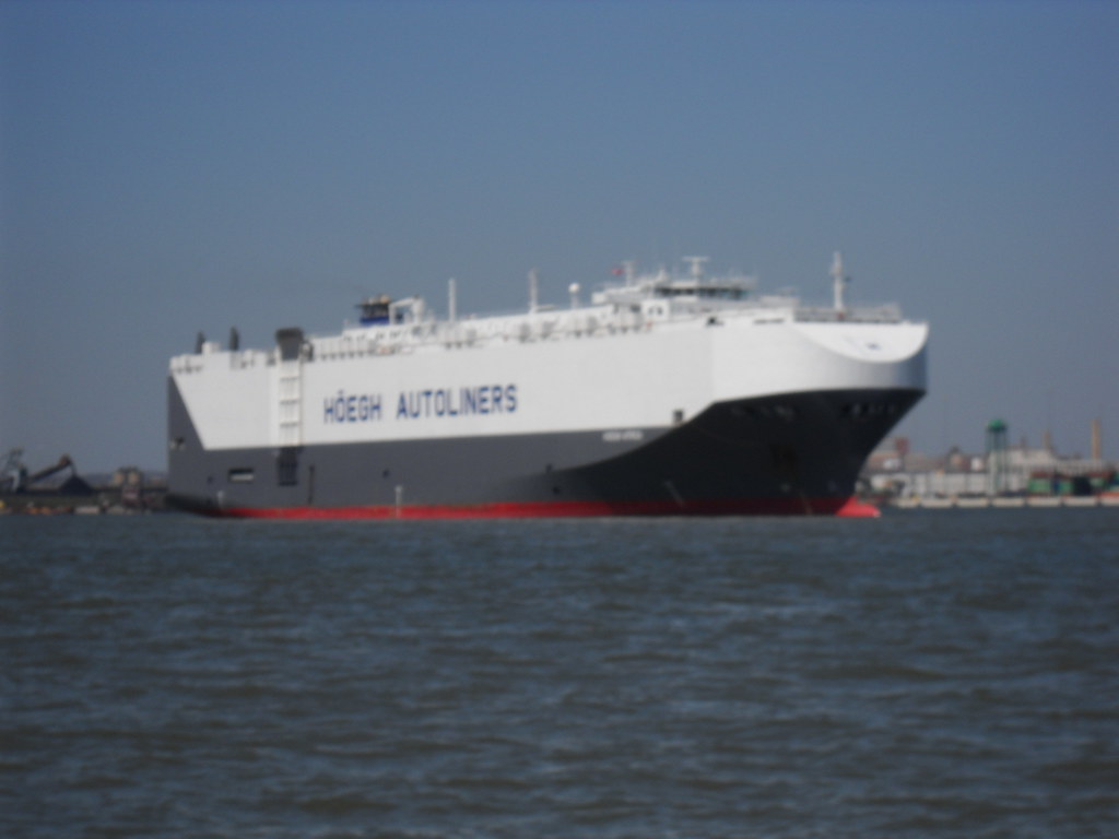 ship full of cars HOEGH AUTOLINERS | ship THIS IS THE HOEGH