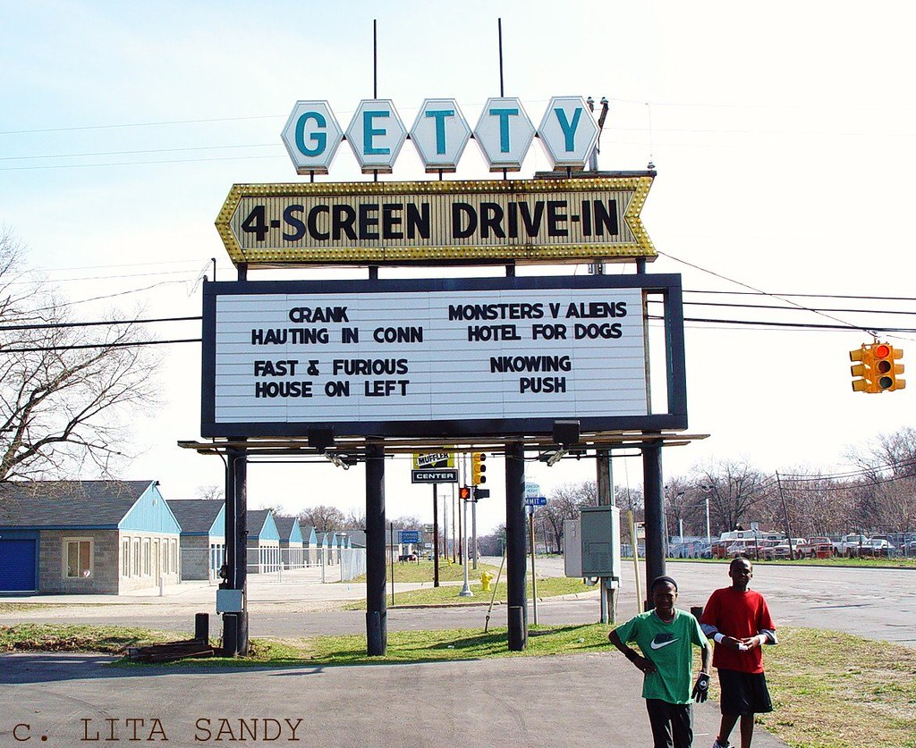 Getty Drive In Theater Sign Muskegon Michigan 4 18 09 Flickr
