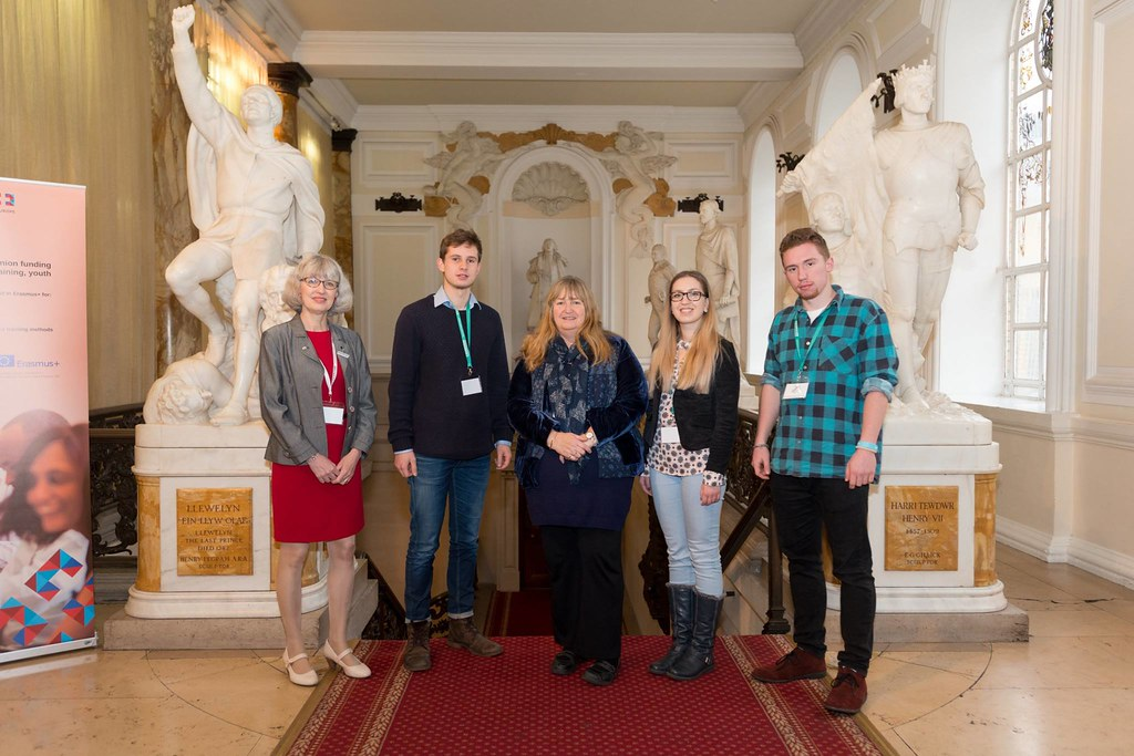 The 2016 Erasmus+ photo competition winners with UK National Agency Director Ruth Sinclair-Jones and Julie James AM