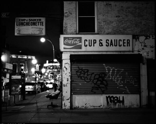 cup & saucer swivel