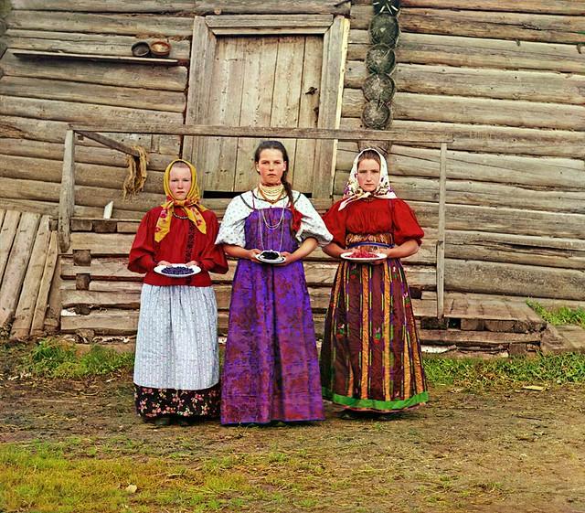 Peasant girls, 1909