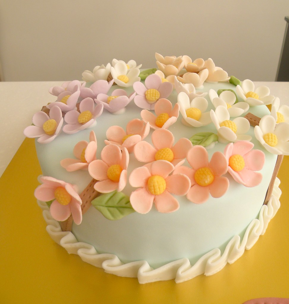 Marvelous Bcg Moms Birthday Cake Flowers Kim Hyeyoung Flickr Personalised Birthday Cards Vishlily Jamesorg