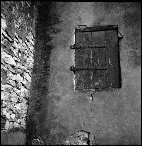 blind • plombières, burgundy • 2011